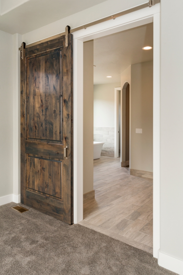 reclaimed-lumber-barn-door-the-lumber-baron