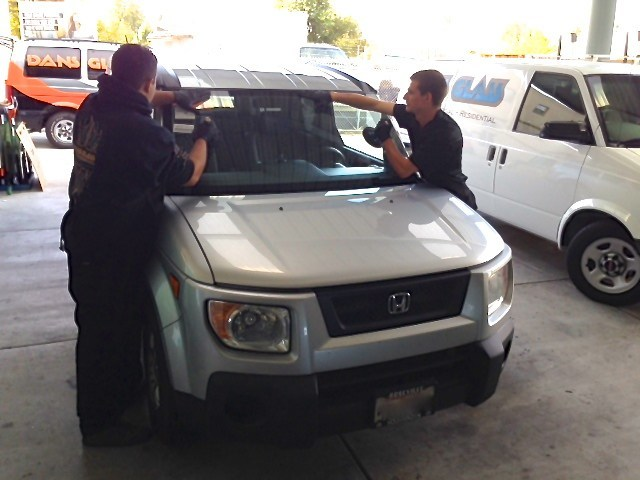 Windshield-Replacement-Concord_Dans_Glass
